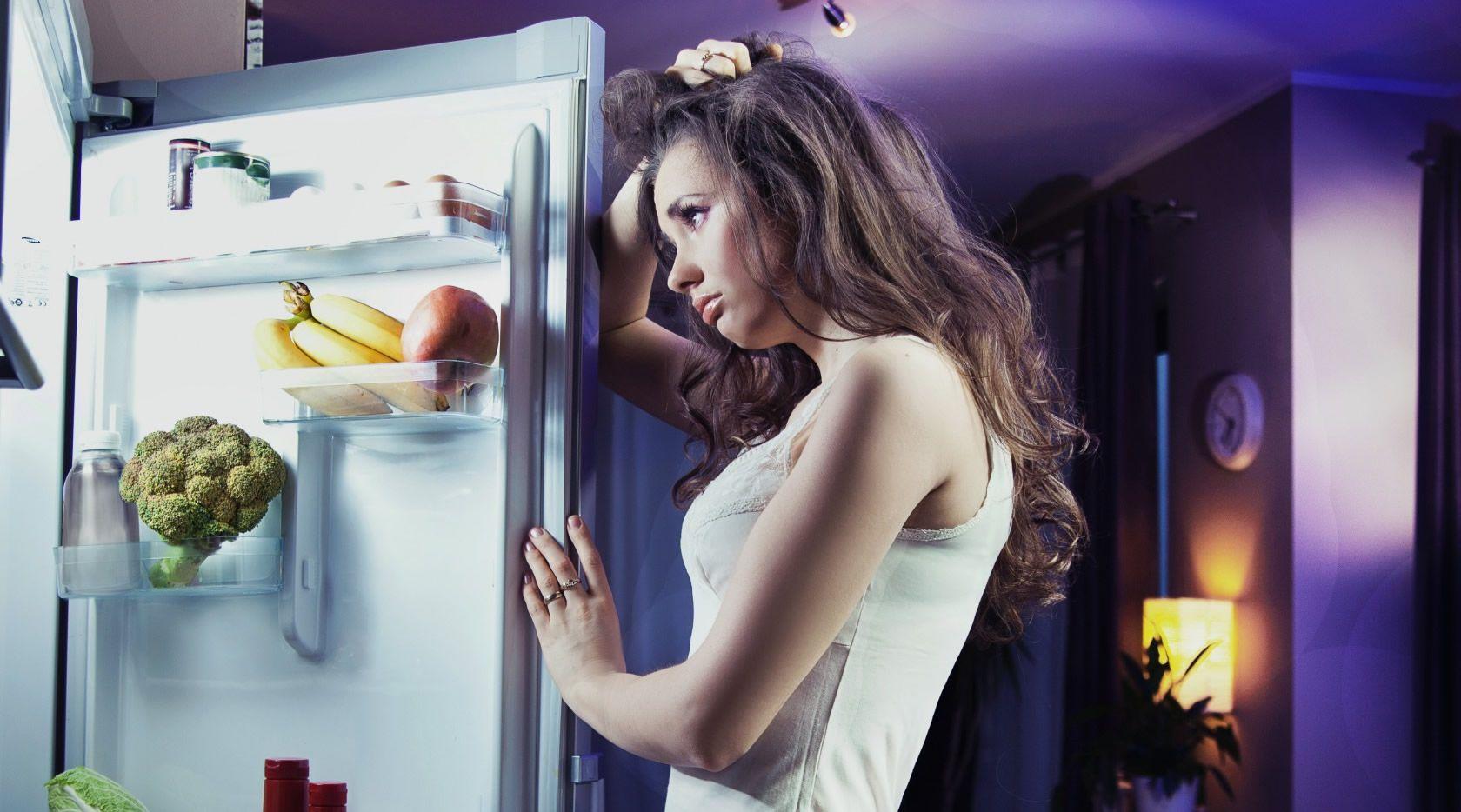 Comer grandes quantidades a noite engorda? Verdade ou Mito?