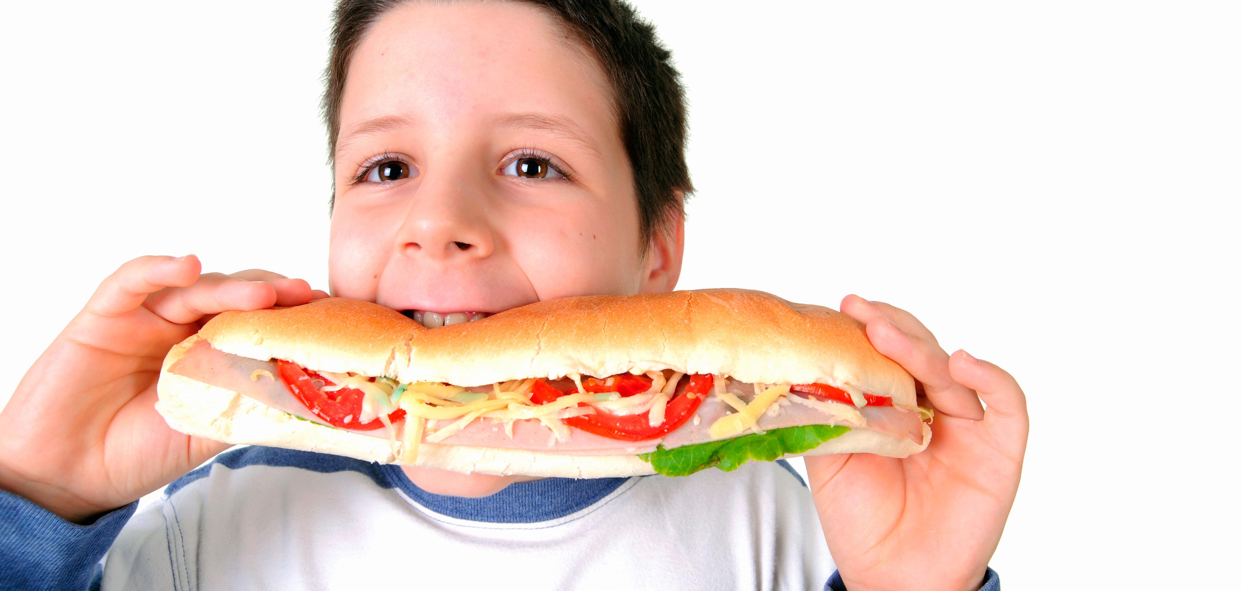 Comer devagar e mastigar bem os alimentos ajuda a emagrecer?