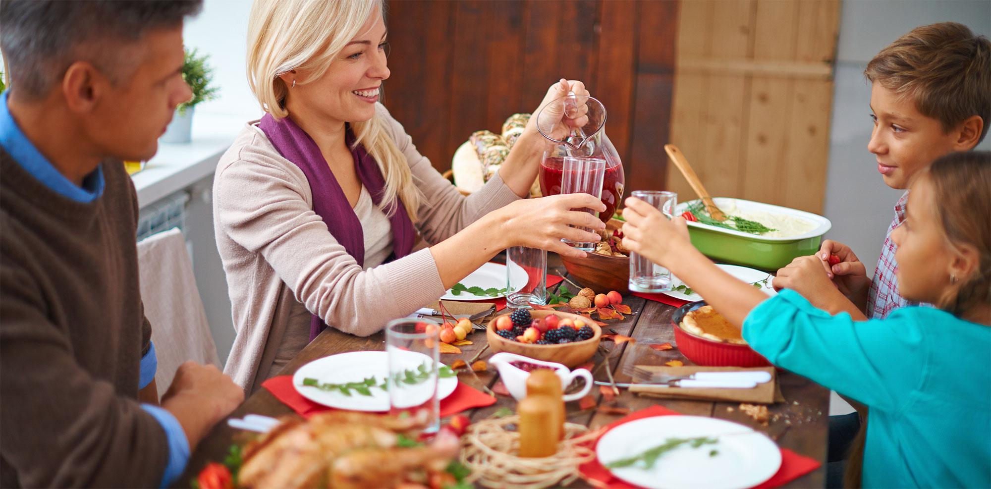 Evite bebidas durante a refeição