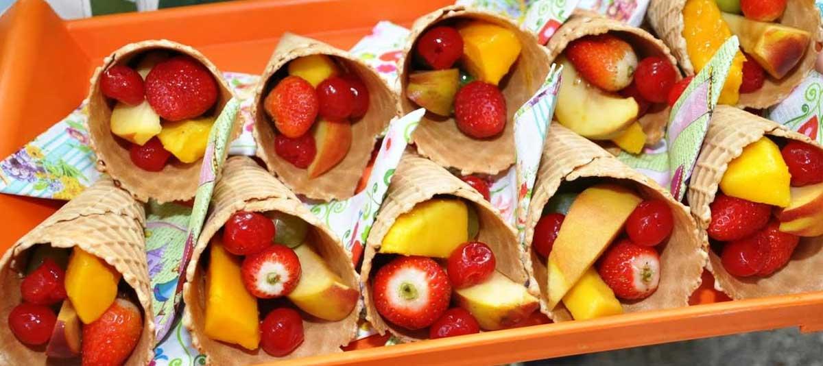 Salada de frutas na casquinha